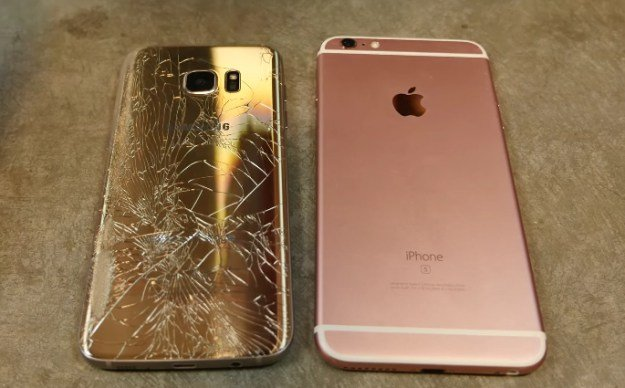 galaxy-s7-edge-vs-iphone-7-plus-drop-test
