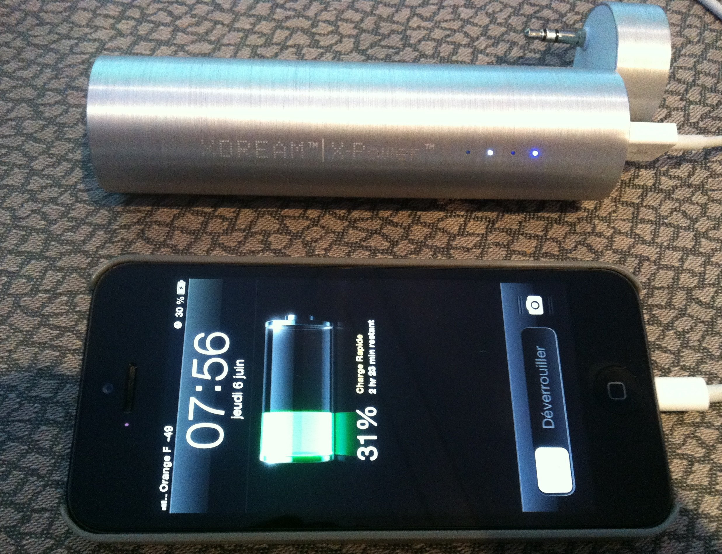 xpower3 - Test X-Power 3 en 1 : haut-parleur, batterie de secours et support de visualisation