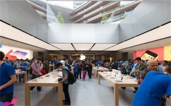 Apple Store Istanbul 2 - Apple Store d'Istanbul : 2 prix pour sa qualité architecturale