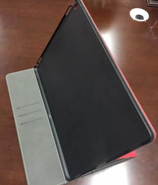 iPad Pro leak Sonny Dickson - iPad Pro : Sonny Dickson dévoile deux nouveaux étuis (leak)