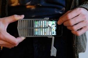 EXO7 Belt Buckle iPhone 4 Case 1 300x199 - La boucle de ceinture iphone