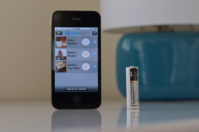 tethercell iphone - Tethercell : les piles bluetooth contrôlées par iPhone
