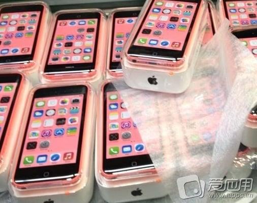 iPhone 5C : photo de modèles roses dans leurs boîtes ?