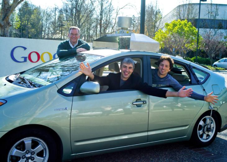 Apple vs Google : vers une bataille de l'automobile connectée