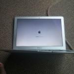 Insolite : un MacBook Air survit à une chute d'un avion