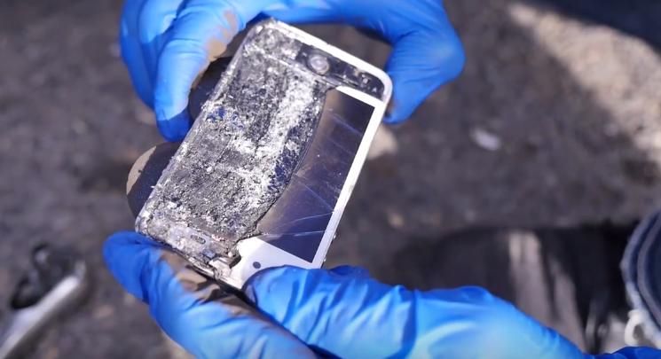 iPhone plaquette frein Porsche - Insolite : l'iPhone utilisé comme plaquette de frein sur une Porsche