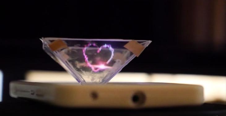 Transformer son iPhone en projecteur holographique (vidéo)