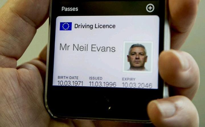 permis-de-conduire-sur-iphone-royaume-uni-DVLA