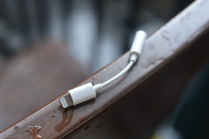 iPhone 7 : un adaptateur Lightning vers jack 3.5 mm se montre en vidéo