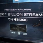 Apple Music : 1 milliard d'écoutes pour l'album « Views » (Drake), un record