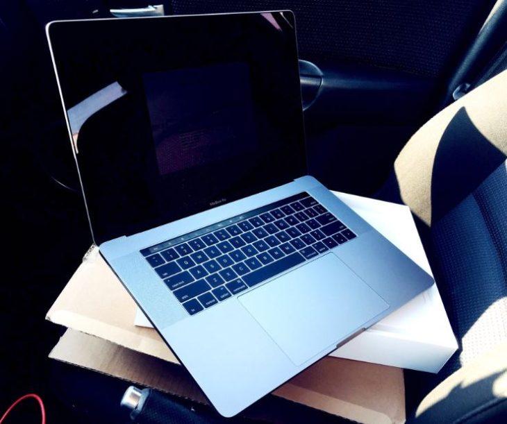 MacBook Pro avec Touch Bar : quelques chanceux ont déjà reçu le leur