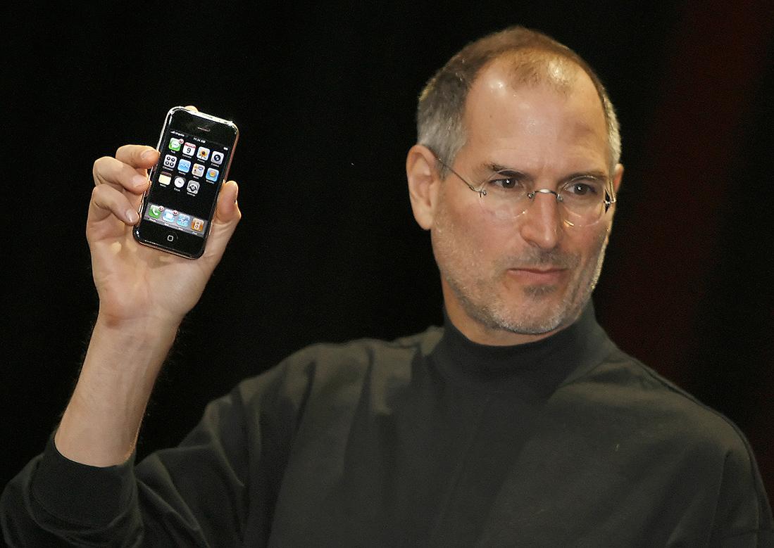 iphone steve jobs 2007 - L'iPhone fête aujourd'hui ses 10 ans ! 🎁
