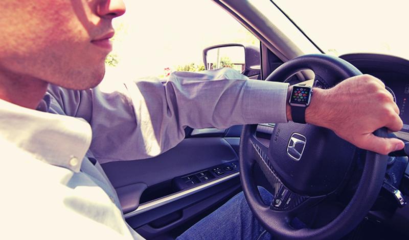 apple watch conduire - L'Apple Watch pourrait détecter la conduite et adapter les alertes