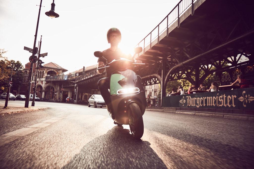 COUP Mood 4 1024x683 - COUP : les eScooters débarquent à Paris ! (iOS & Android)