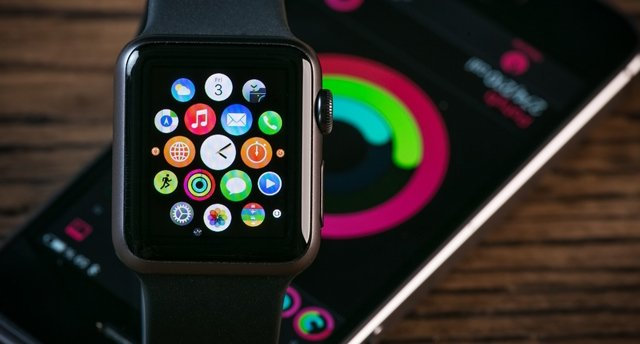 apple watch - L'Apple Watch de 2018 dotée d'un écran micro-LED ?