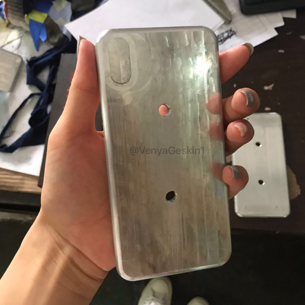 moules iphone 8 iphone 7s iphone 7s plus 3 1024x1024 - iPhone 8, iPhone 7S & 7S Plus : de nouvelles photos des moules