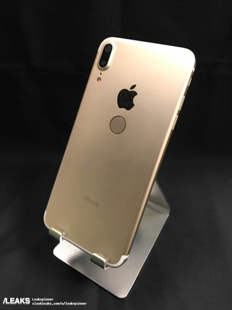 slashleaks maquette iphone 8 touch id arriere 767x1024 - iPhone 8 : une maquette suspecte avec le Touch ID à l'arrière
