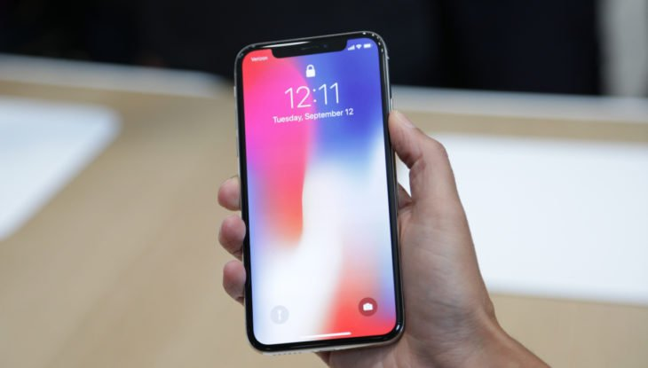 iPhone X de 2018 : production des écrans OLED à partir de mai ?