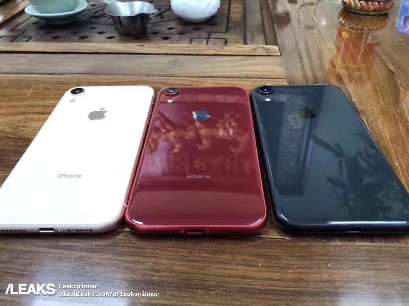 Maquette iPhone 9 Coloris 2 - L'iPhone LCD 6,1 pouces proposé en bleu, blanc & rouge ?? ?