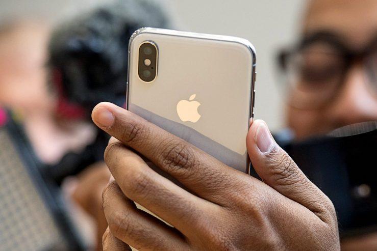 iPhone X Arriere Appareils Photo 739x493 - Les iPhone de 2019 n'auraient pas de caméra TrueDepth arrière