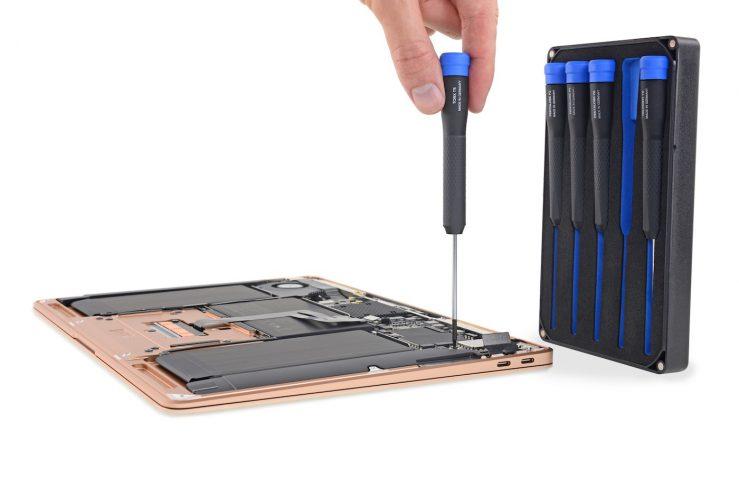 Demontage MacBook Air 2018 739x478 - Démontage du MacBook Air 2018 : est-il facile à réparer ?