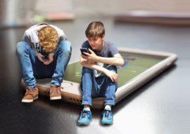"""""""Pas d'écran avant 3 ans"""" : le Sénat veut limiter l'exposition des enfants"""