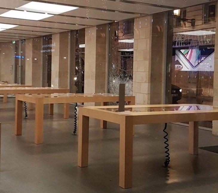 Gilets jaunes : l'Apple Store de Bordeaux pillé, plusieurs condamnations