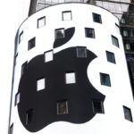Apple logo noir facade 150x150 - Apple : près de 800 millions de comptes iTunes