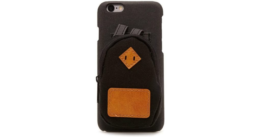 iphone voyage 1024x538 - Écouteur anti bruit, iPhone, adaptateur : quel équipement pour voyager ?