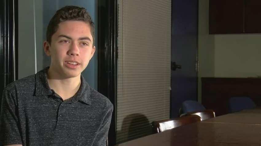 grant thompson - Apple pourrait offrir 200 000$ à l'adolescent à l'origine de la faille Facetime