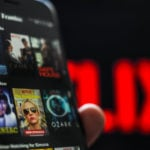 iOS : la fonctionnalité « Smart Downloads » arrive sur Netflix
