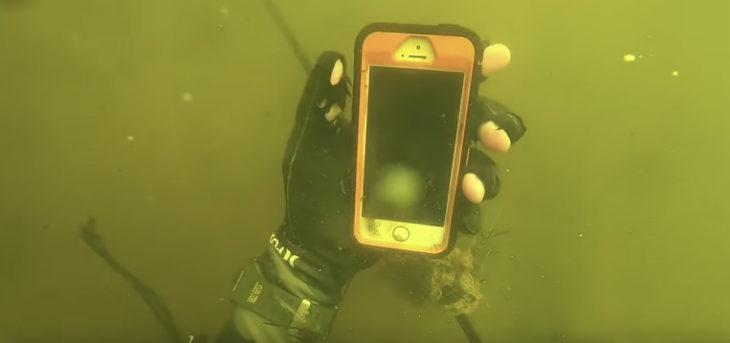 Un plongeur a trouvé 7 iPhone, 5 Apple Watch & 6 GoPro dans une rivière