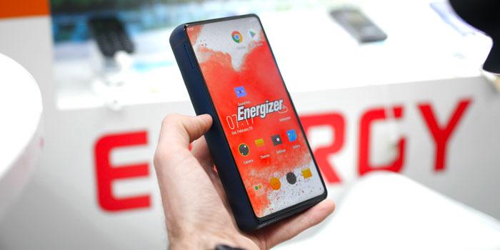 Energizer dévoile un ignoble smartphone avec 50 jours d'autonomie