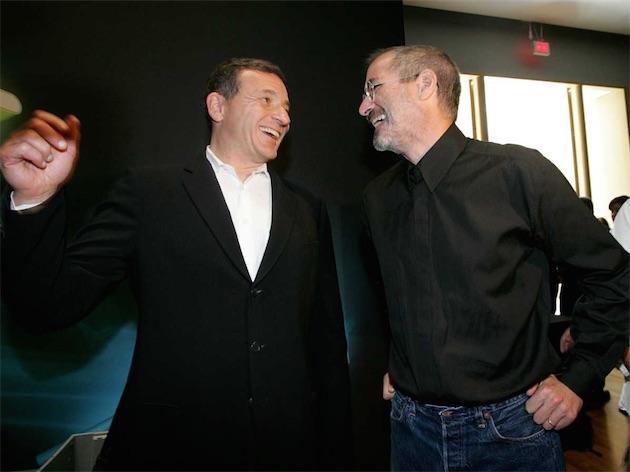 bob iger steve jobs - Le PDG de Disney va-t-il entrer en conflit avec Apple ?