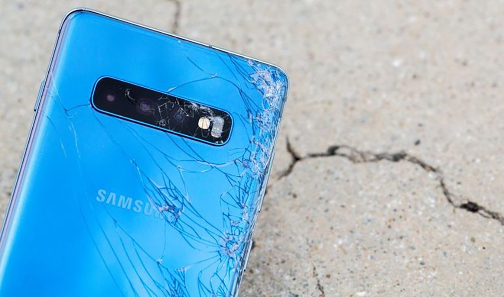 galaxy s10 plus drop test 8 - Coque Samsung Galaxy S10, S10+, S10e & protection d'écran : que choisir ?