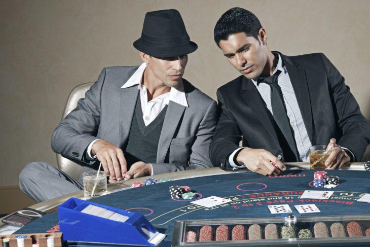 Casinos en ligne en France & au Canada : légaux ou pas ?