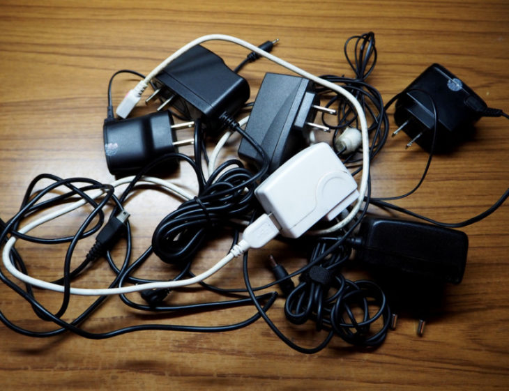 Gaffe aux chargeurs de smartphones pas chers : nombre d'entre eux sont dangereux