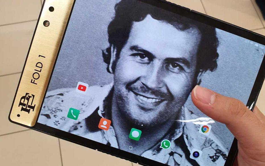 escobarfold - CES 2020 : le frère de Pablo Escobar ne pourra pas présenter son smartphone pliable