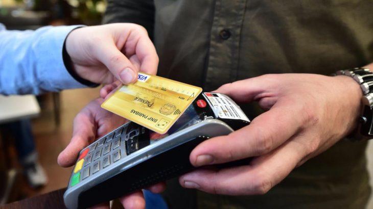 Le plafond des paiements sans contact pourrait passer à 50€ en France