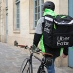 Uber Eats Livreur 150x150 - Uber, Taxify, Google, Netflix : les brèves high-tech du 6/10