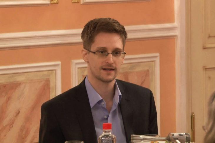 """""""Architecture de l'oppression"""" : Edward Snowden critique les outils numérique de lutte contre le Covid"""