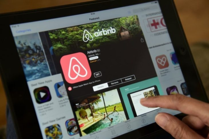 """Airbnb licencie un quart de ses effectifs, un """"traumatisme pour l'entreprise"""""""