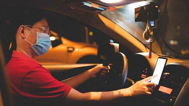 Dans un Uber, c'est le masque ou le ban