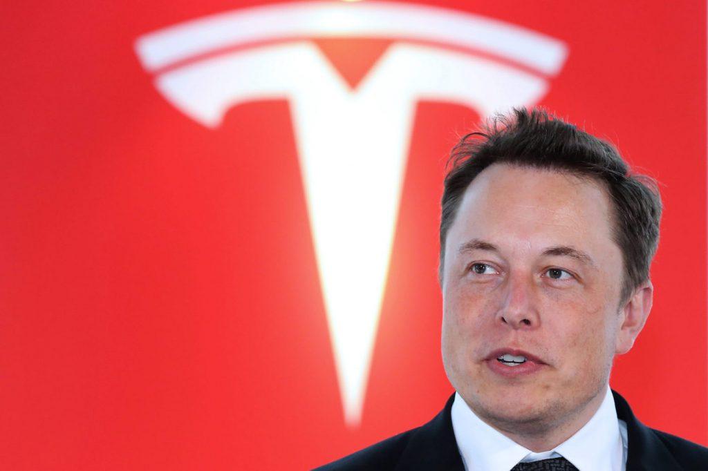 Une voiture Tesla 100% autonome d'ici la fin de l'année, selon Elon Musk