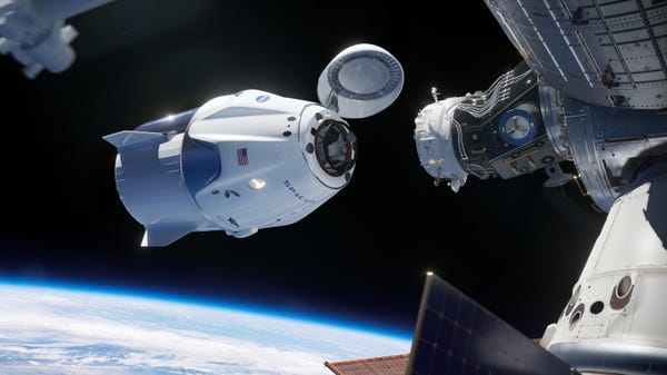 space dragon spacex - SpaceX : pour la première fois, une entreprise privée ramène deux astronautes sur Terre
