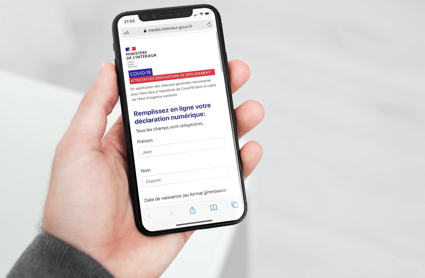 Couvre-feu : l'attestation enfin disponible sur smartphone