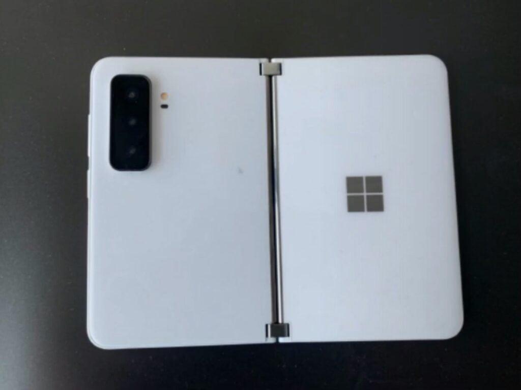 Le Surface Duo 2 de Microsoft fuite et dévoile trois capteurs photo